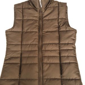 Jackets & Blazers - Isaac Mizrahi quilted vest With beige lining